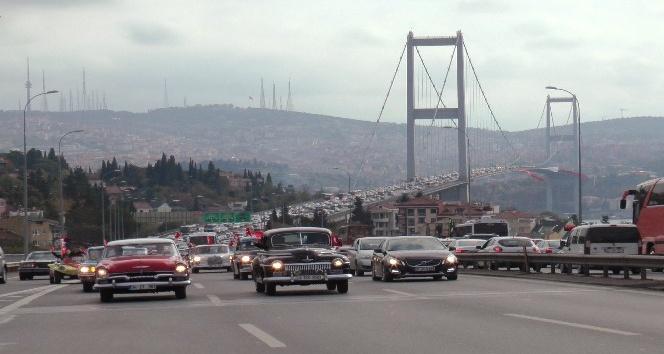 Klasik otomobilciler, 'Cumhuriyet Her Yerde' konvoyu oluşturdu