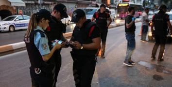 İstanbul'da 39 ilçede 5 bin polisle denetim
