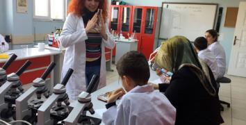 Anne-Çocuk Bilim Atölyesi'nde