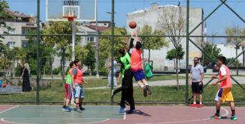 Esenler'de basketbol sokağa iniyor