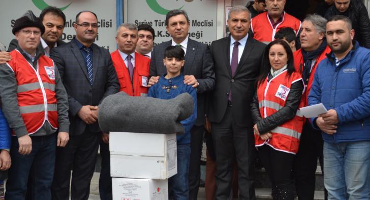AB ve Türk Kızılay'ından Esenler'deki Suriyeliler'e yardım