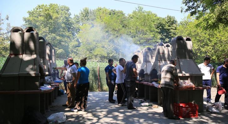Esenler'de Millet Bahçesi'nde mangal oylaması