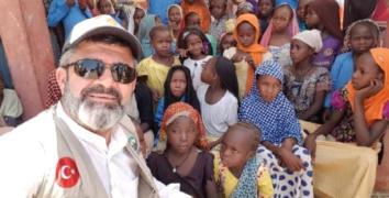 Esenler Valide Derneği'nden Çad'a gıda yardımı