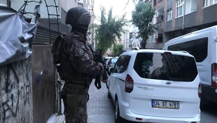 Esenle'de helikopter destekli narkotik operasyonu: 35 gözaltı