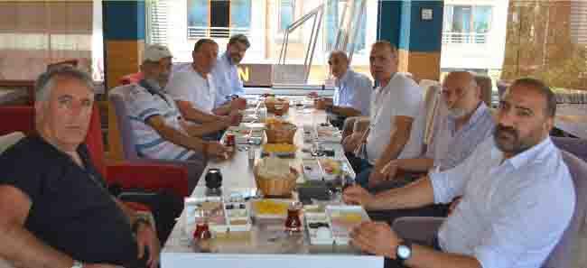 Esenler Ana FatmaCemeviBaşkanı Balo Gazetecilerle kahvaltıda buluştu