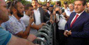 Göksu, İBB önünde eylem yapan işçileri ziyaret etti