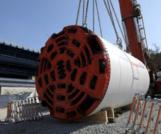 Ayvalıdere yağmur suyu tüneli'ne tünel açma makinesi indirildi