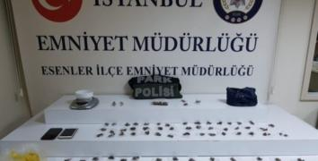 Esenler'de parkta uyuşturucu oprasyonu