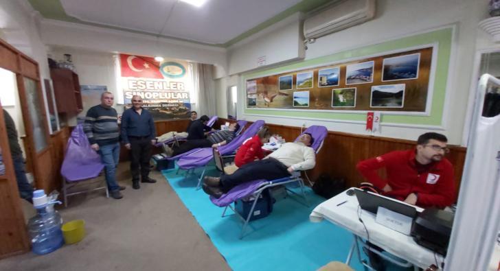 Esenler Sinoplular Derneği'nden Kan Bağışı