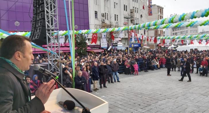 Esenler'de Hamsi ve Horon Festivali'nde Karadeniz Rüzgarı esti