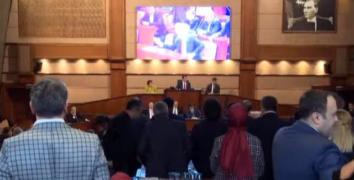 İBB Meclisinde küfür iddiası gerginliği