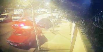 Esenler'de lüks araçla far hırsızlığı