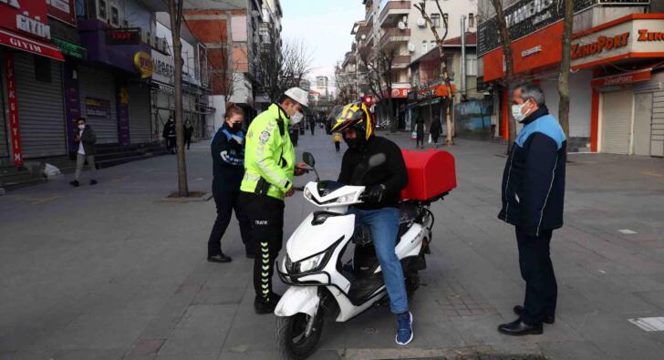 Bağcılar zabıtası ve polisinden ortak virüs operasyonu