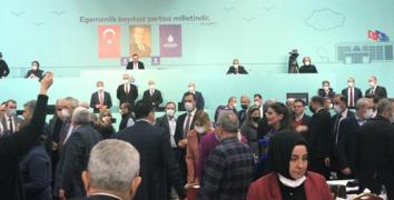 İBB Meclisi'nde gerginlik