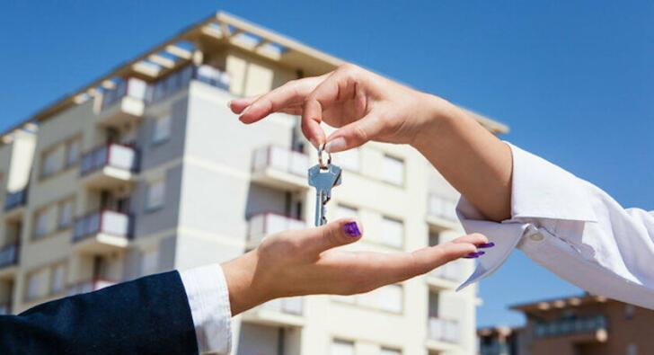 Artık her önüne gelen ev kiralayıp satamayacak!