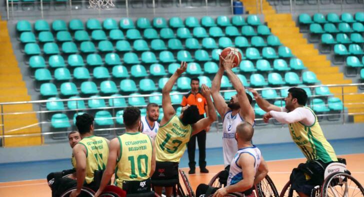 Engelli basketçiler sahaya indi